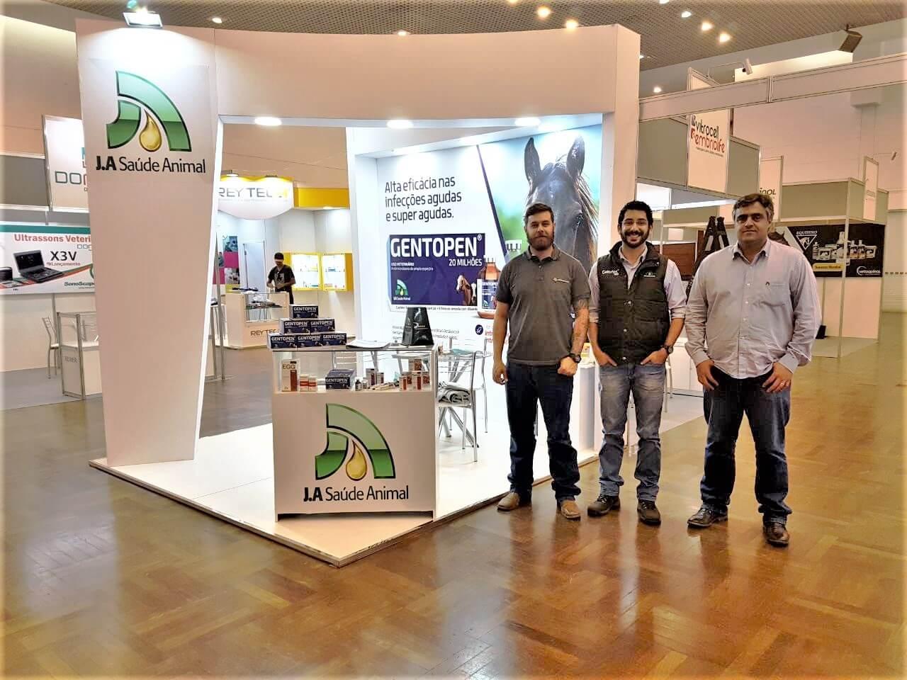 A J.A participa da Conferência Anual da Associação Brasileira dos Médicos Veterinários de Equídeos (ABRAVEQ).